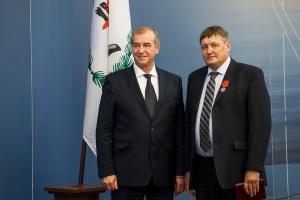 Работник ИНК награжден медалью ордена «За заслуги перед Отечеством»