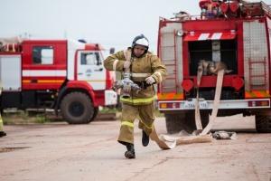 Иркутская нефтяная компания участвует в тушении лесных пожаров на севере области