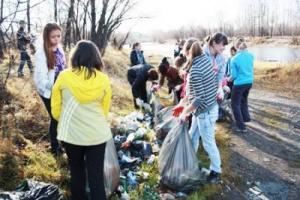 На эстафету «Чистые воды Прибайкалья» Иркутская нефтяная компания выделила 1миллион рублей