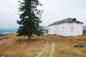 Нефтяники помогут отреставрировать уникальную церковь в селе Кривая Лука